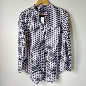 NWT Gap maternity butterfly white pink Button Down